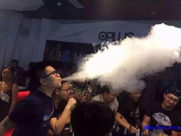 用VG烟油参加烟雾大赛的大烟雾量