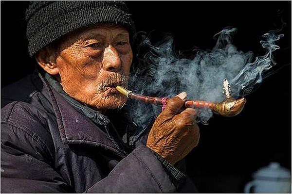 选择口感好的品牌电子烟解除烟瘾