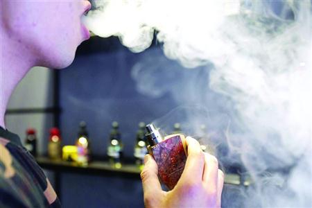 商家宣称电子烟零危害 世界卫生组织:同样释放有害物质
