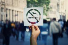 纽约大学教授:电子烟将在未来10年拯救