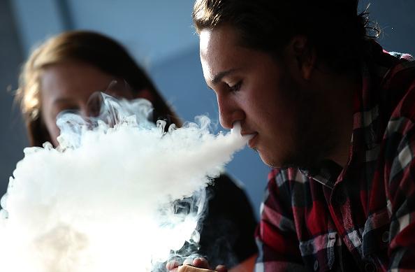 香烟和电子烟主要成分分析及危害