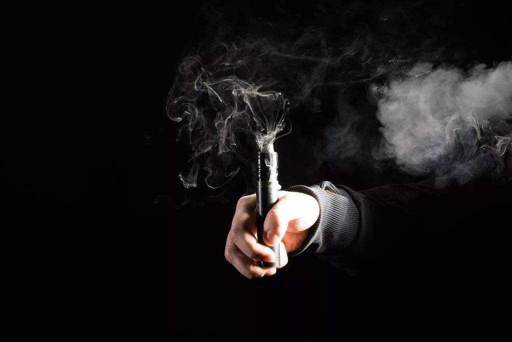 电子烟不规范问题露头就打!两部门约谈相关企业136家