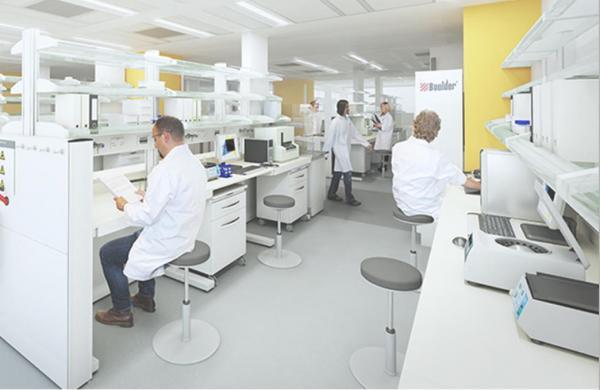从3个人的研发小组到研究室,铂德为何如此重视烟油?