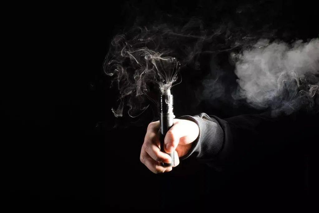 雾化能量棒在哪买悦刻暴跌50%后,我们找了8位电子烟从业者聊了聊未来